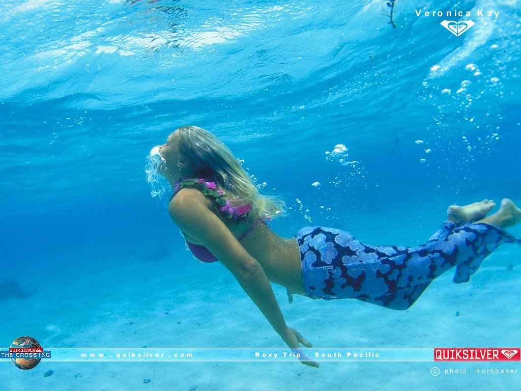 surf roxy veronika kay 1 Â¿Pantalones para surfear?  Marketing Digital Surfing Agencia